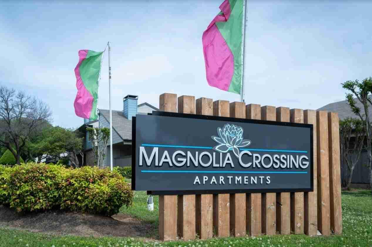 magnolia crossing